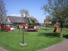 Unser Spielplatz mit Ostseeblick
